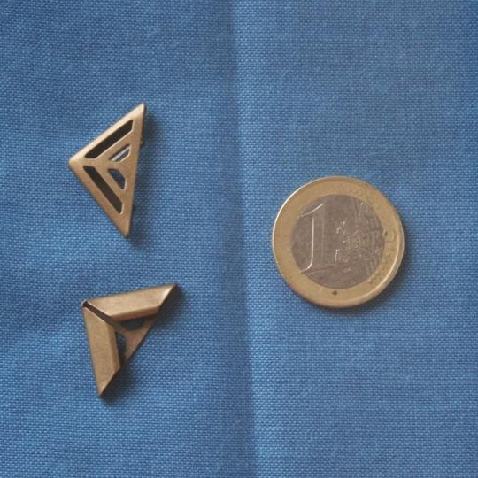 angle cartonnage bronze